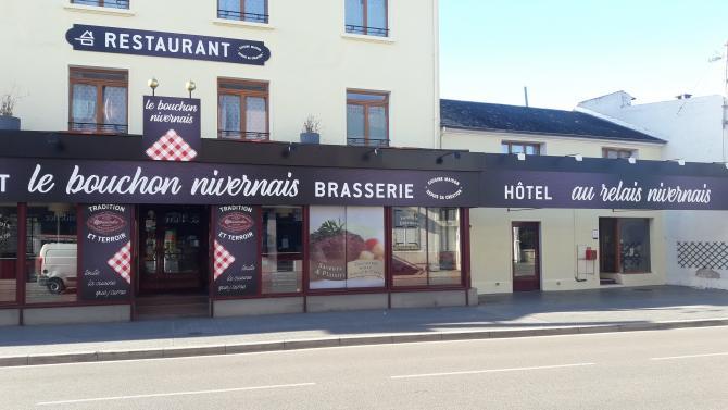 LE BOUCHON NIVERNAIS   HOTEL ET RESTAURANT